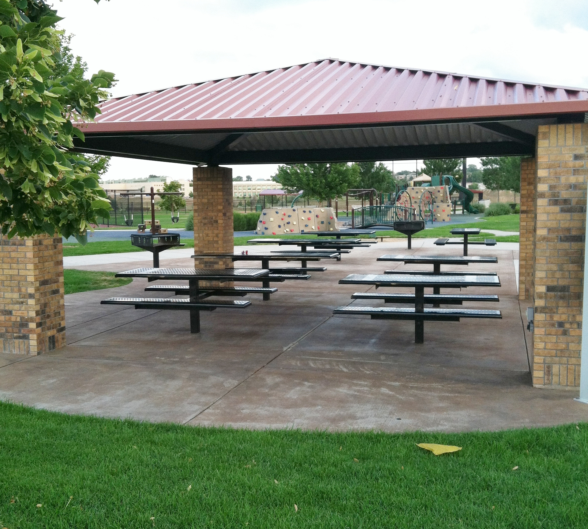 Covered Picnic Tables : Let s have a picnic z